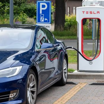 How Do Hybrid Cars Differ From Electric Cars?